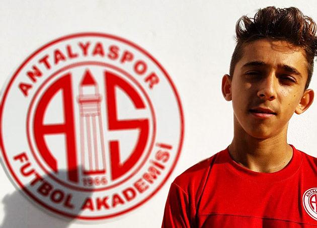 Antalyaspor'un Genç Oyuncusu İlk Milli Maçında Ağları Havalandırdı
