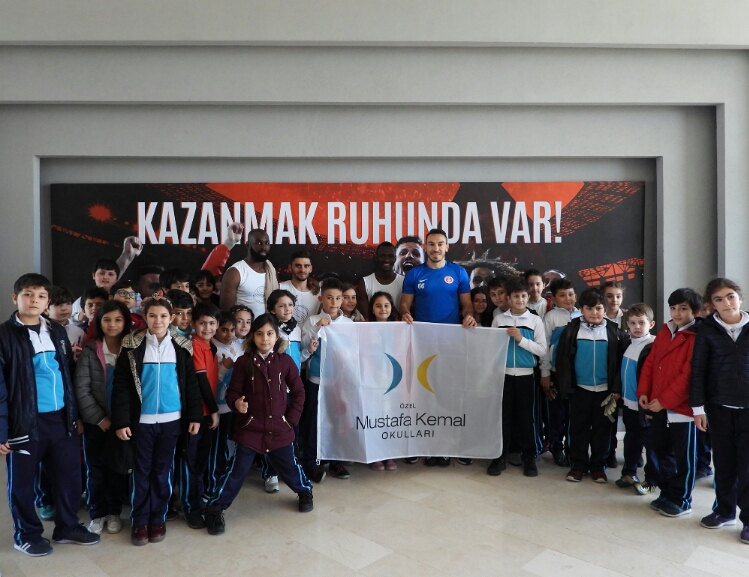 Mustafa Kemal Okulları Antalyaspor'u Ziyaret Etti