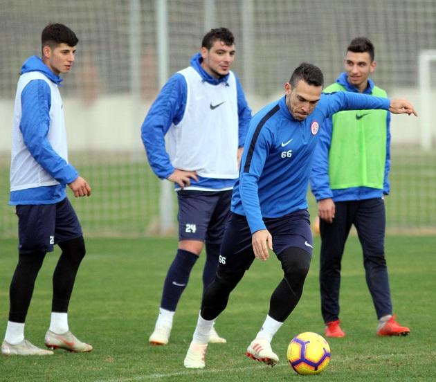 Antalyaspor'da Atiker Konyaspor Hazırlıkları Sürüyor