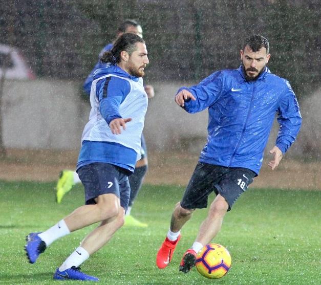 Antalyaspor'un Beşiktaş Hazırlıkları Yağmur Altında Sürdü