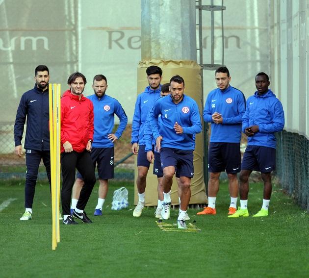 Antalyaspor Kuvvet Ağırlıklı Çalıştı