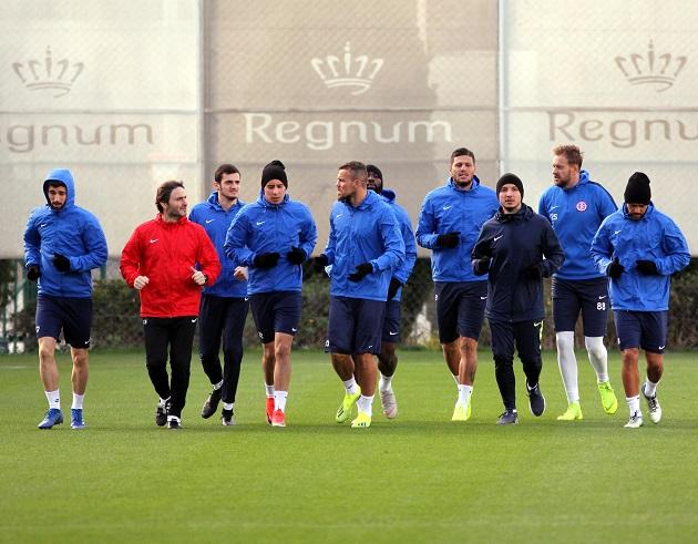 Antalyaspor Belek'te Sekiz Futbolcuyla Çalıştı