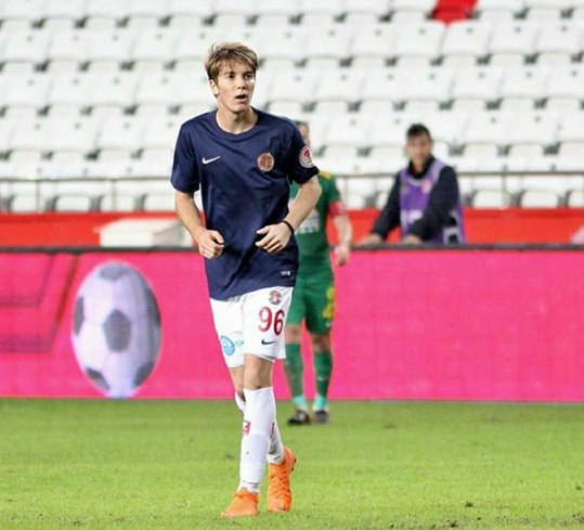Antalyaspor'un Genç Oyuncusu Fehmi Koç Sezonu Kapattı