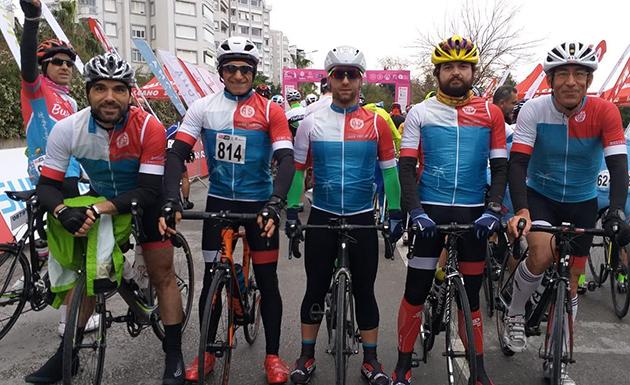 Triatlon Takımı AKRA Gran Fondo'da Mücadele Verdi