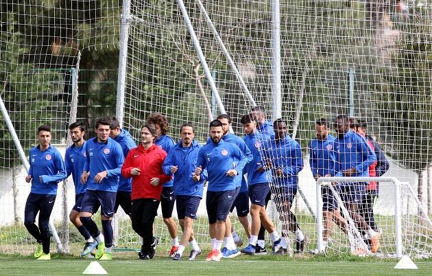 Antalyaspor Çalışmalara Ara Vermeden Devam Ediyor