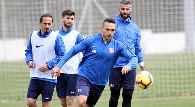 Antalyaspor Günün Tek Çalışmasını Gerçekleştirdi