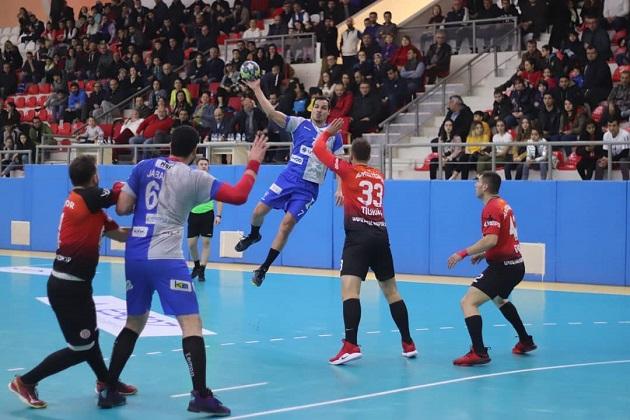 Antalyaspor, Selka Engelini Aşamadı: 27-28