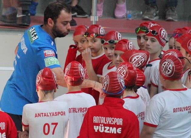 Antalyaspor 23 Nisan Yüzme Yarışları'na Damga Vurdu