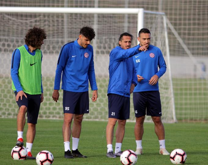 Antalyaspor'da Kasımpaşa Maçının Hazırlıkları Tamamlandı