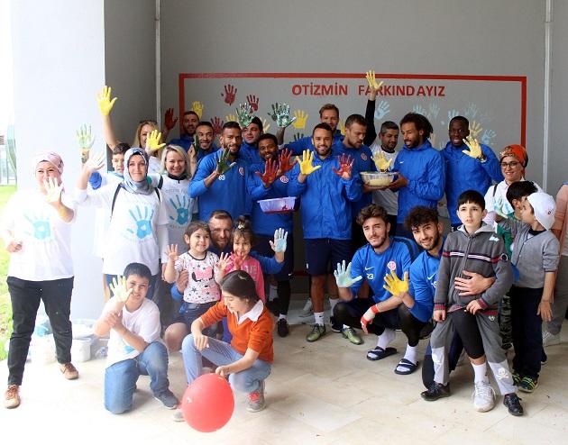 Antalyaspor'dan 'Otizmin Farkındayız' Kampanyasına Destek