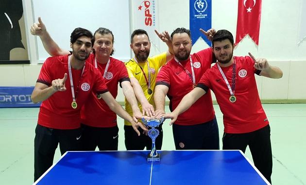 Masa Tenisi Takımı Süper Lig'e Yükseldi