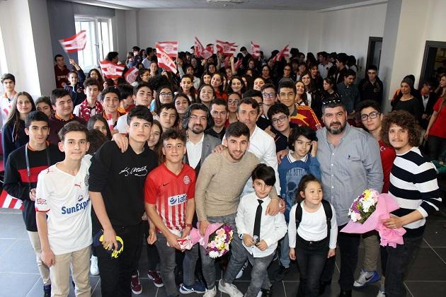 Antalyaspor Neriman-Erol Yılmaz Sosyal Bilimler Lisesi'nin Konuğu Oldu
