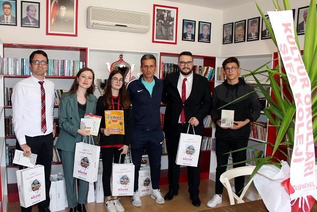 Antalyaspor Kütüphanesine Kitap Desteği
