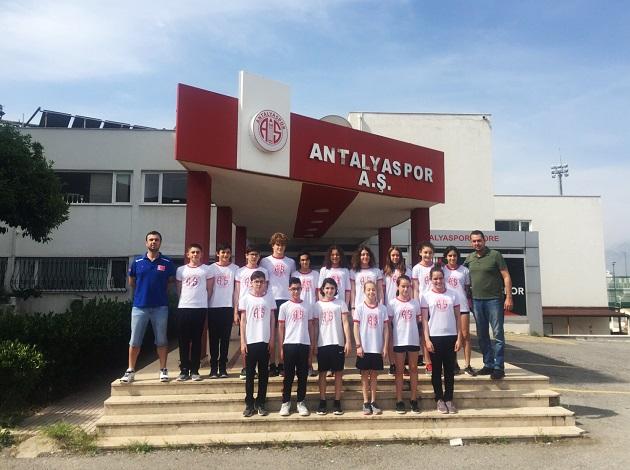 Antalyaspor Yüzme Takımı 17 Sporcu İle Milli Takımda